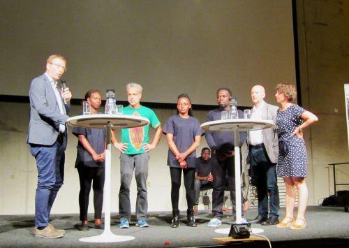 v.l.nr. Jochen Motte (VEM), Liesse Horimbere (BADILIKA), Claus Schrowange (EIRENE), Marveille Kavira Kamate (BADILIKA), Elizier Kasereka Mbakulirahi (BADILIKA), Gesine Ames (ÖNZ)